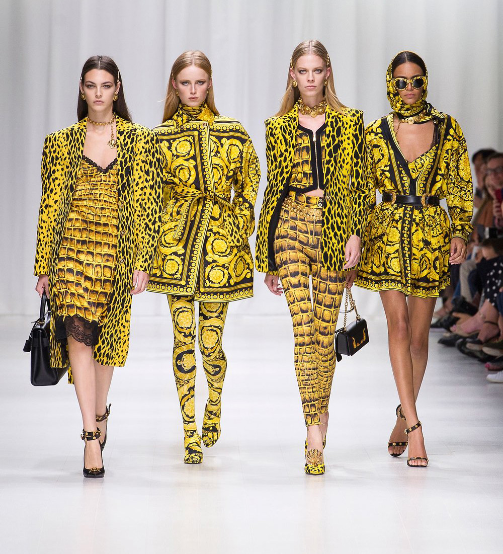 Photo of Michael Kors buys Versace for $2.1 billion